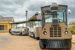 Turnera spårvagnen som parkeras på den Falmouth kryssningporten royaltyfri fotografi