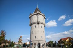 Turnu Severin水塔Castelul de Apa,一城市的地标,位于多瑙河在铁门附近 免版税库存照片
