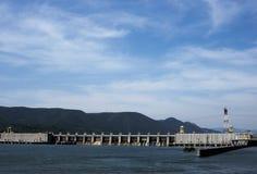 TURNU SEVERIN-ROMANIA, SEPTEMBER 16: Järnporten I hydroelektriska Powe Royaltyfri Bild