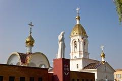 Turov,白俄罗斯- 2013年6月28日:Turov 2013年6月28的圣徒西里尔和Lavrenti日大教堂在Turov镇,白俄罗斯 库存照片