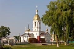 Turov,白俄罗斯- 2013年6月28日:Turov 2013年6月28的圣徒西里尔和Lavrenti日大教堂在Turov镇,白俄罗斯 免版税库存照片