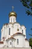 Turov,白俄罗斯- 2013年6月28日:Turov 2013年6月28的圣徒西里尔和Lavrenti日大教堂在Turov镇,白俄罗斯 免版税库存图片