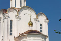Turov, Bielorrusia - 28 de junio de 2013: Catedral de los santos Cyril y Lavrenti Turov del 28 de junio de 2013 en la ciudad de T Imagen de archivo libre de regalías