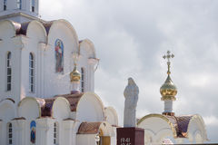 Turov, Bielorussia - 7 agosto 2016: Cattedrale dei san Cyril e Lavrenti Turov del 28 giugno 2013 nella città di Turov, Bielorussi Immagini Stock