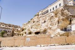 Turquía, Urgup Cuevas y moderno viejos imagen de archivo