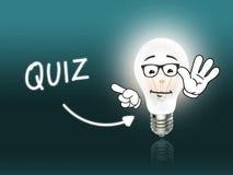 Turquesa da luz da energia da lâmpada do bulbo do questionário Imagem de Stock Royalty Free
