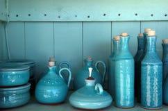 A turquesa vitrificou jarros cerâmicos, Crete, Greece Imagem de Stock Royalty Free