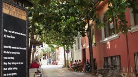 TURQUIA - IZMIR - EM JULHO DE 2015: Rua de Dario Moreno - Asansor vídeos de arquivo
