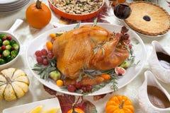 Turquia Roasted na tabela da colheita Imagens de Stock