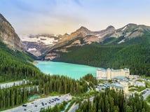 Turquoise Louise Lake en parc national de Banff, Alberta, Canada Photos libres de droits