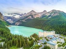 Turquoise Louise Lake en parc national de Banff, Alberta, Canada Photo stock