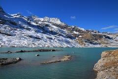 Turquoise See Blanc und Hochgebirge Stockfotos