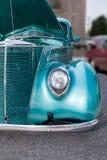Turquoise sur des roues Photos libres de droits