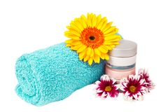Turquoise towel cream gerbera Royalty Free Stock Photography
