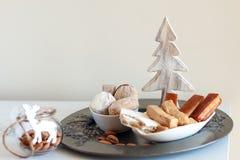 Turron, mantecados och polvorones, typiska spanska julsötsaker Arkivfoto