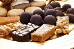 Turron, mantecados und polvorones, typische Weihnachtsbonbons in S Stockbilder
