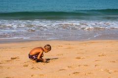 Turyści cieszy się i relaksuje przy Agonda plażą Goa/India Fotografia Royalty Free