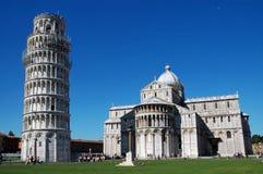 Turyści odwiedza Miracoli Obciosują w Pisa, Włochy Obrazy Stock