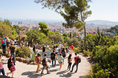 Turyści w Parkowym Guell Obrazy Royalty Free