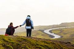 Turyści w Reykjadalur Gorących wiosnach, Iceland Zdjęcie Royalty Free