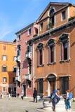 Turyści na Campo dei Frari w Wenecja Zdjęcie Royalty Free