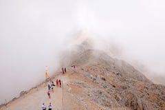 Turyści na górze góry Zdjęcia Royalty Free