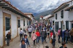Turyści na ulicie w Willi De Leyva Obrazy Stock
