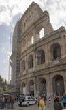 Turyści odwiedza kolosseum Obraz Stock