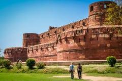 Turyści przy Czerwonym fortem Zdjęcia Stock