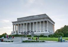 Turyści przy Lincoln pomnikiem w washington dc Zdjęcie Royalty Free
