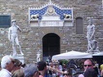 Turyści w Florencja przy Piaza della Signora Fotografia Stock