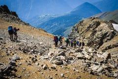 Turyści w Kaukaskich górach Obrazy Royalty Free