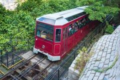 Turyści w Wiktoria szczytu tramwaju na Grudniu 02,2017 Fotografia Royalty Free