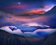 Turyści wydają noc na lodzie Zdjęcia Stock