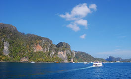 Turystów promy biegają na morzu w Phuket, Tajlandia Fotografia Stock