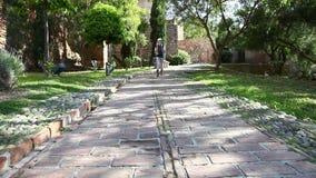 Turysta przy Alcazaba Malaga zdjęcie wideo