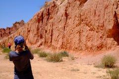 Turysta w baśniowym jarze obrazy stock
