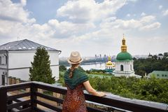 Turysta w Kijowskim Pechersk Lavra obrazy stock