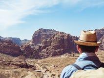 Turysta w mie?cie Petra w Jordania obraz royalty free