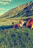 Turysta w obozie Zdjęcia Stock