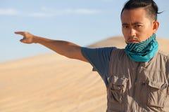 Turysta w pustyni zdjęcia stock