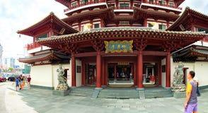 Turysta wizyty Singapur Buddha zębu relikwii świątynia fotografia stock