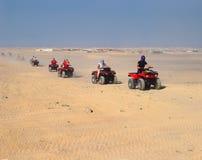 Turysty wiec na ATVs w Hurghada obrazy royalty free