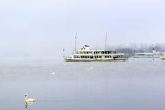 Turystyczna łódź na jeziorze lucerna Obraz Stock