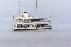 Turystyczna łódź na jeziorze lucerna Fotografia Royalty Free