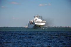 Turystyczna łódź na Tagus rzece Fotografia Royalty Free