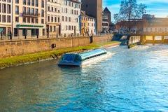 Turystyczna łódź w Strasburskim Francja Obraz Stock