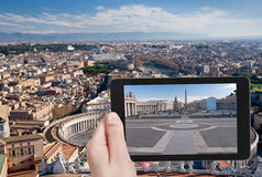 Turystyczna bierze fotografia StPeter kwadrat, Rzym Fotografia Stock