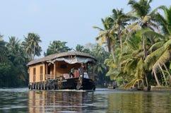Turystyczna łódź przy Kerala stojącymi wodami, Alleppey, India, Azja Zdjęcie Stock