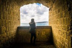 Turystyczna dziewczyna w Naples obrazy stock